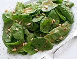 Салат из шпината Шпинат, Чеснок, Соевый соус, Грецкий орех